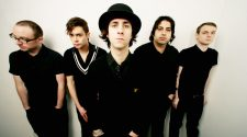Maximo Park play unplugged gig at Rise record store